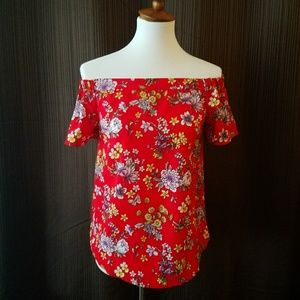 Monteau Los Angelas Red Floral Could Shoulder Top
